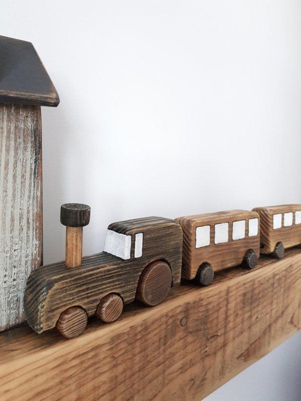 Drewniany pociąg