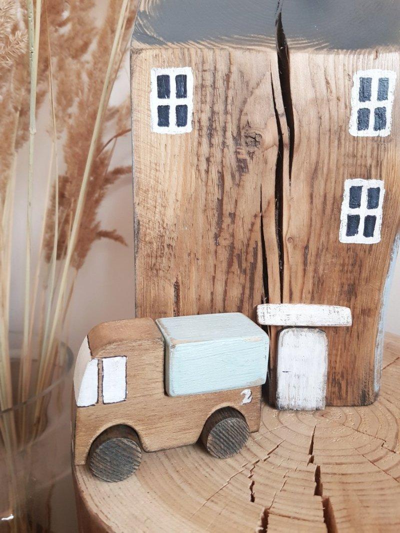 Drewniane autko