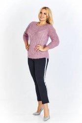 Sweter o uiwersalnym rozmiarze z ciekawym splotem