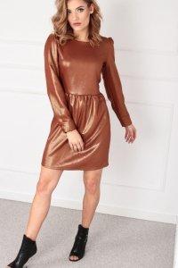 metaliczna sukienka z bufkami na ramionach
