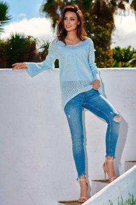 Asymetryczny sweter damski LS200 błękitny