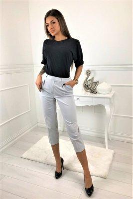 Spodnie o eleganckim kroju o długości 7/8 z kieszeniami