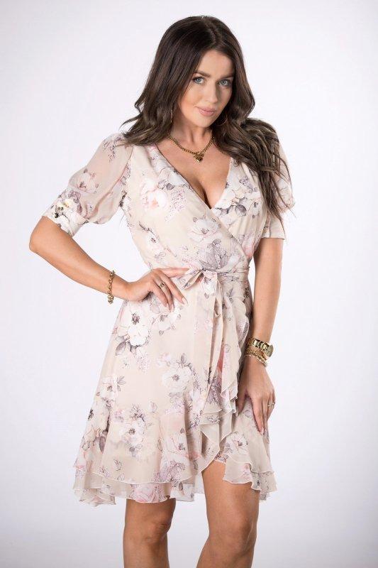 kopertowa sukienka z falbanami