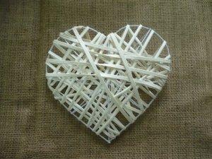Serce ratanowe białe 3D 205cm - 1szt