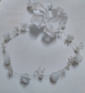 Wianek komunijny Pleciony wianuszek kwiatuszki