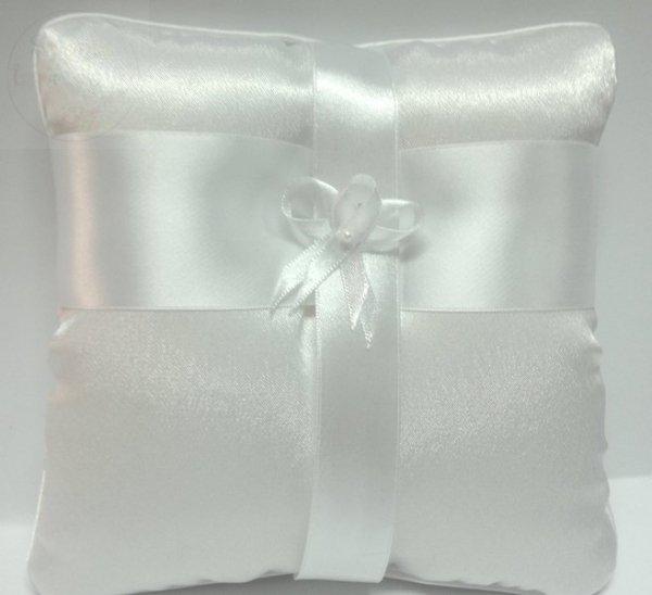 Butonierka biała z perełką 1szt