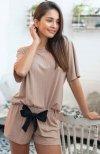 piżama damska w prążki krótki rękaw i szorty sensis beżowa seila