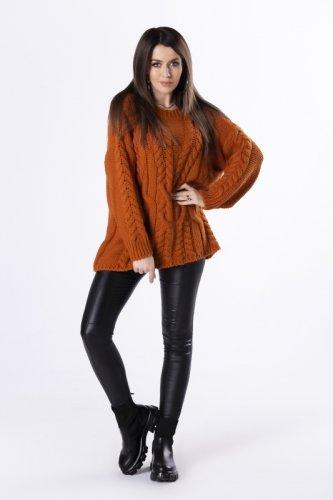 oversize'owy sweter z grubym splotem