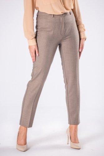 dopasowane spodnie cygaretki z nogawkami w kant