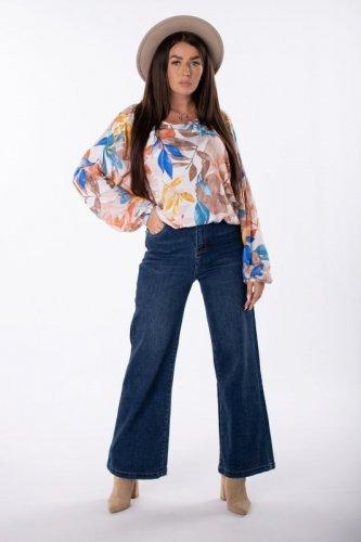 jeansy z szerokimi nogawkami