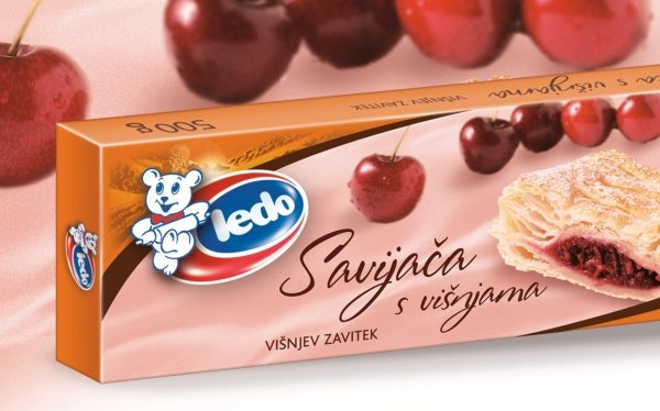 30009 CHO Strudel with dark Choco and cherry 500g 1x8