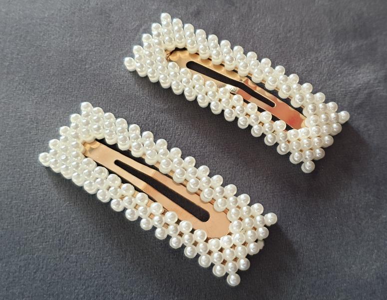 1699 spinka 1x z białymi perłami
