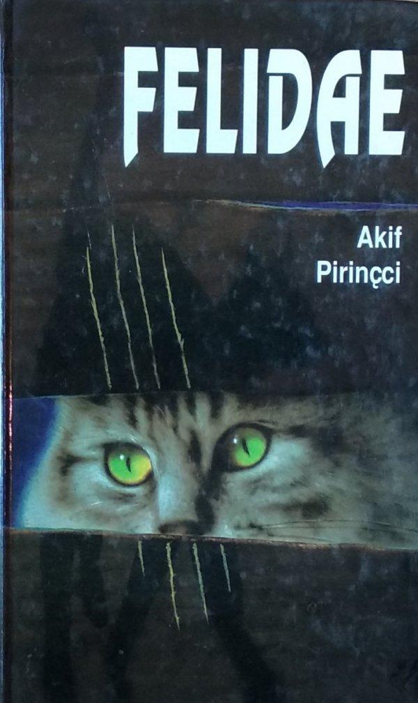 Akif Pirincci • Felidae