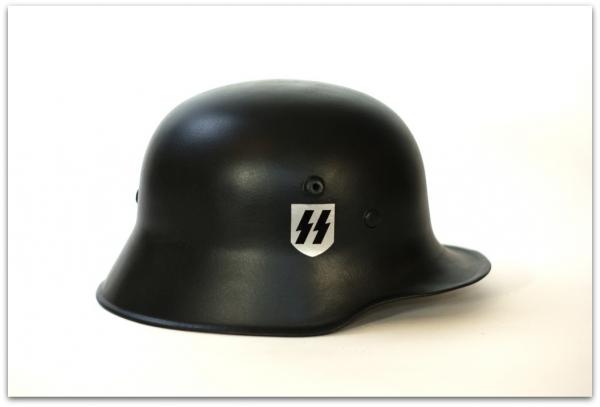 MH044 HEŁM NIEMIECKI M18 - SS LEIBSTANDARTE ADOLF HITLER