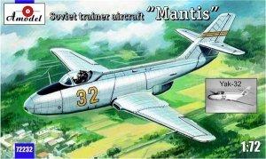 A-Model 72232 Yak-32 Soviet trainer Mantis 1/72