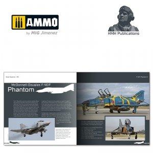 HMH Publications DH-015 PHANTOM II (English VErsion)