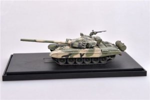 Modelcollect AS72119 Soviet Army T-72B Main battle tank, 1980s, 1/72