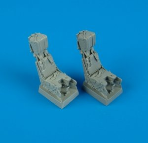 Quickboost QB32028 F/A-18D ejection seats with safety belts 1/32