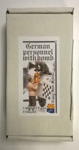 Copper State Models F48-005 German personnel - bomb loading 1:48