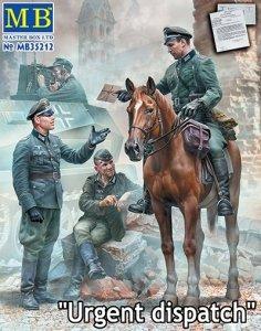 Master Box 35212 World War II: German Military Men Urgent Dispatch 1/35