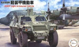 Fujimi 723136 JASDF Light Armored Vehicle 1/72