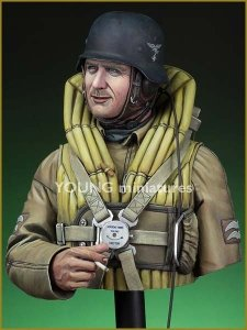 Young Miniatures YM1833 Luftwaffe Bomber Crewman, 1940 1/10