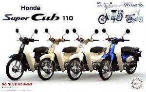 Fujimi 141824 Honda Super Cub 110 (Classical White) 1/12
