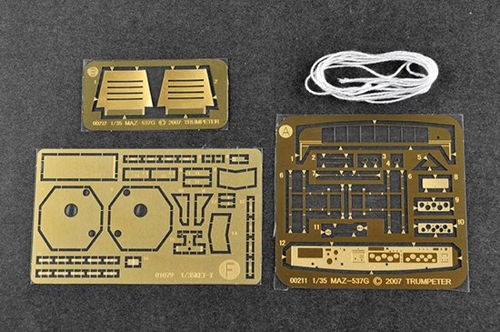 Trumpeter 01079 KET-T Recovery Vehicle Based on MAZ-537 Heavy Truck 1/35