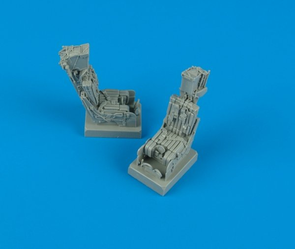 Quickboost QB32033 F-14A ejection seats with safety belts 1/32