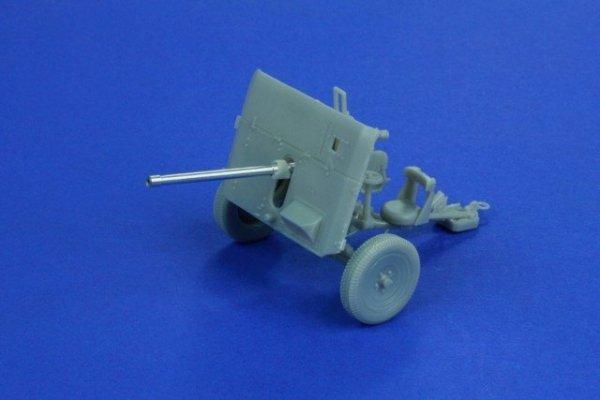 RB Model 1:35 40mm QF 2 pdr L/50 (35B50)