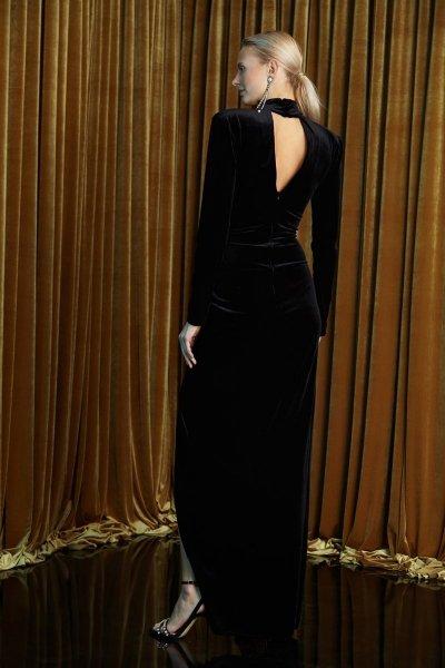 Abito elegante lungo - In velluto nero - Con spacco profondo