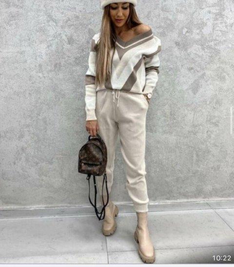 Tuta donna, con maglia a fantasia - Abbigliamento donna Gogolfun.it