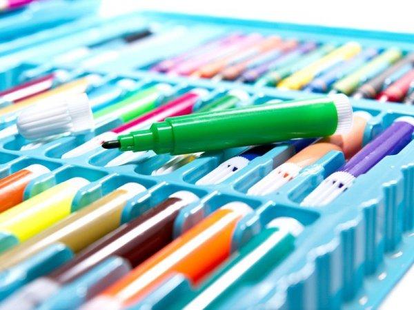 Zestaw plastyczny do malowania w walizce 86el. niebieski