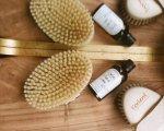 Szczotkowanie ciała na sucho-doskonała forma relaksu i poprawa wyglądu skóry to tylko niektóre jego zalety, sprawdź je wszystkie!