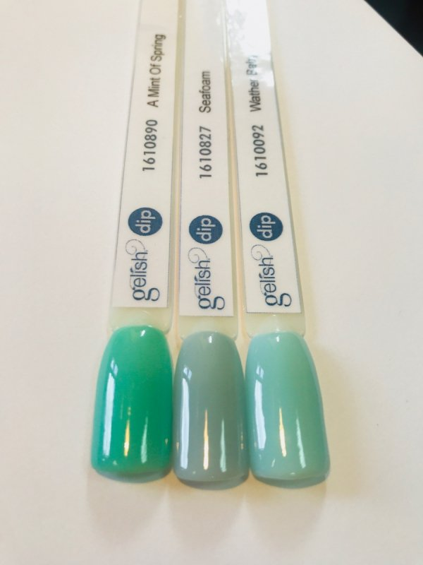 Puder do manicure tytanowego A Mint Of Spring DIP 23g GELISH (1610890)