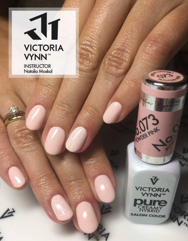 073 Powder Pink - kremowy lakier hybrydowy Victoria Vynn PURE (8ml)