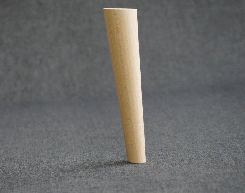 Noga drewniana do mebli 24 B /stożek skos/