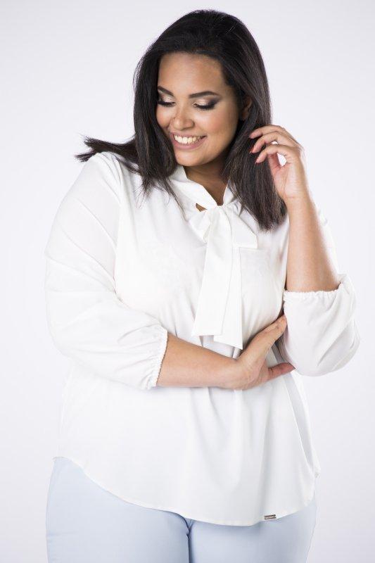 Elegancka-bluzka-plus-size-xl-xxl-AURORA-o-koszulowym-kroju-z-fontaziem-kremowa