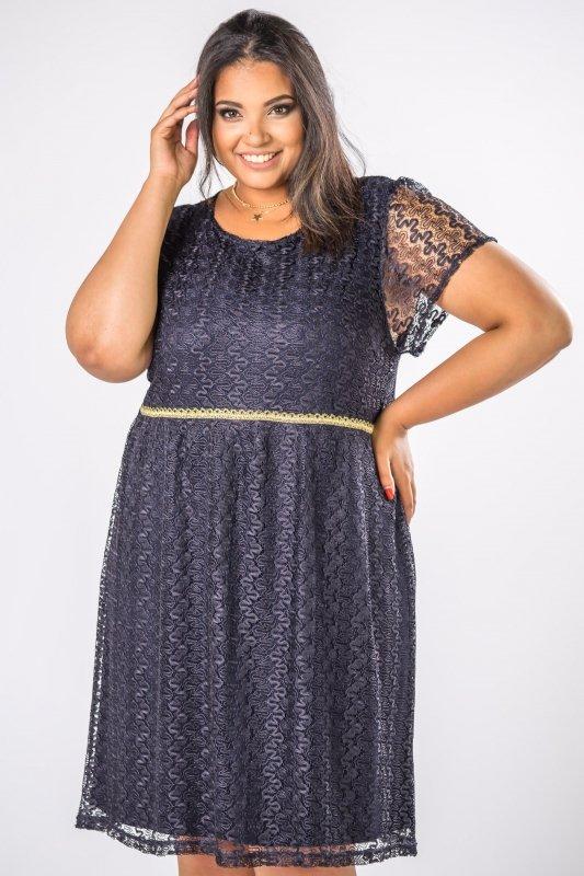 elegancka-sukienka-koronkowa-plus-size-xl-xxl-na-wesele-DOLORES-odcinana-w-pasie-granatowa-przod