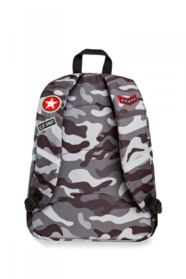 Plecak CoolPack CROSS szare moro w znaczki, CAMO BLACK BADGES (23872)
