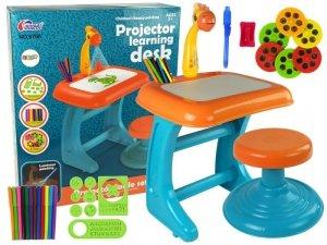 Stolik Tablica Do Rysowania Krzesełko Projektor Pomarańczowy Pisaki Obrazki
