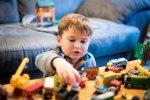 Czym się bawią dzieci od 1 do 3 roku życia?