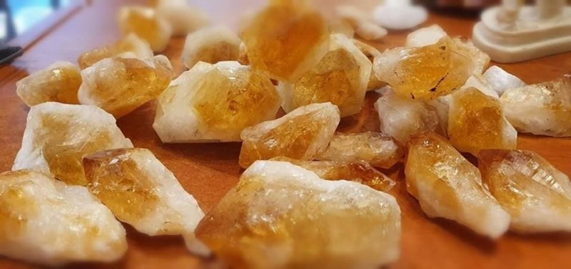 Cytryn surowa bryłka ze szpicem