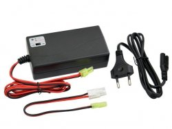 Mikroprocesorowa ładowarka do akumulatorów NIMH / NICD o napięciu 6-12V [8FIELDS]