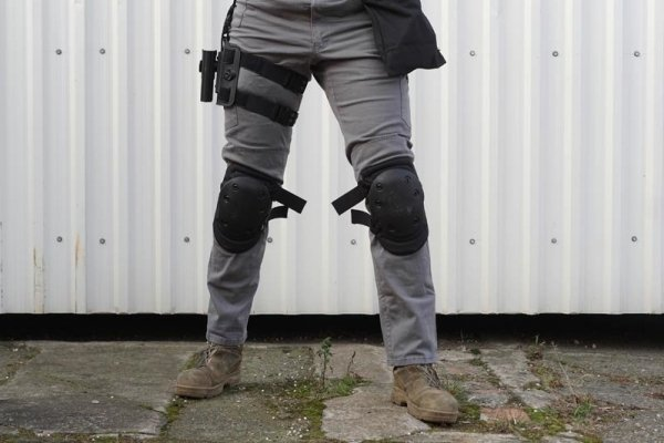 Zestaw ochraniaczy na kolana - piaskowe