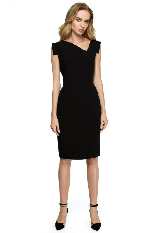 S121 Sukienka z asymetrycznym dekoltem - mała czarna