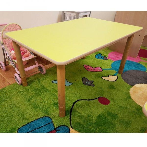 stolik przedszkolny drewniany prostokątny, stolik na drewnianych nogach, stolik drewniany, stolik przedszkolny, stół do przedszkola, stolik przedszkolny regulowany, stół przedszkolny z regulacją