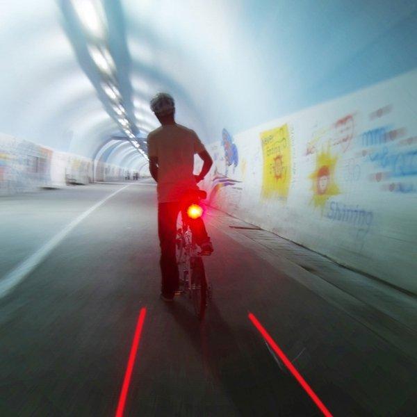 Lampa do roweru tylna z laserem