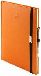 Notes A5 z długopisem zamykany na gumkę z blaszką - papier biały w kratkę - oprawa Vivella pomarańczowa (gumka brązowa)