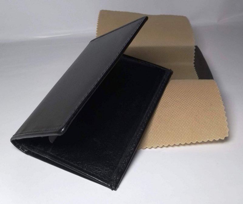 Etui na wizytówki czarny ozdobne pudełko